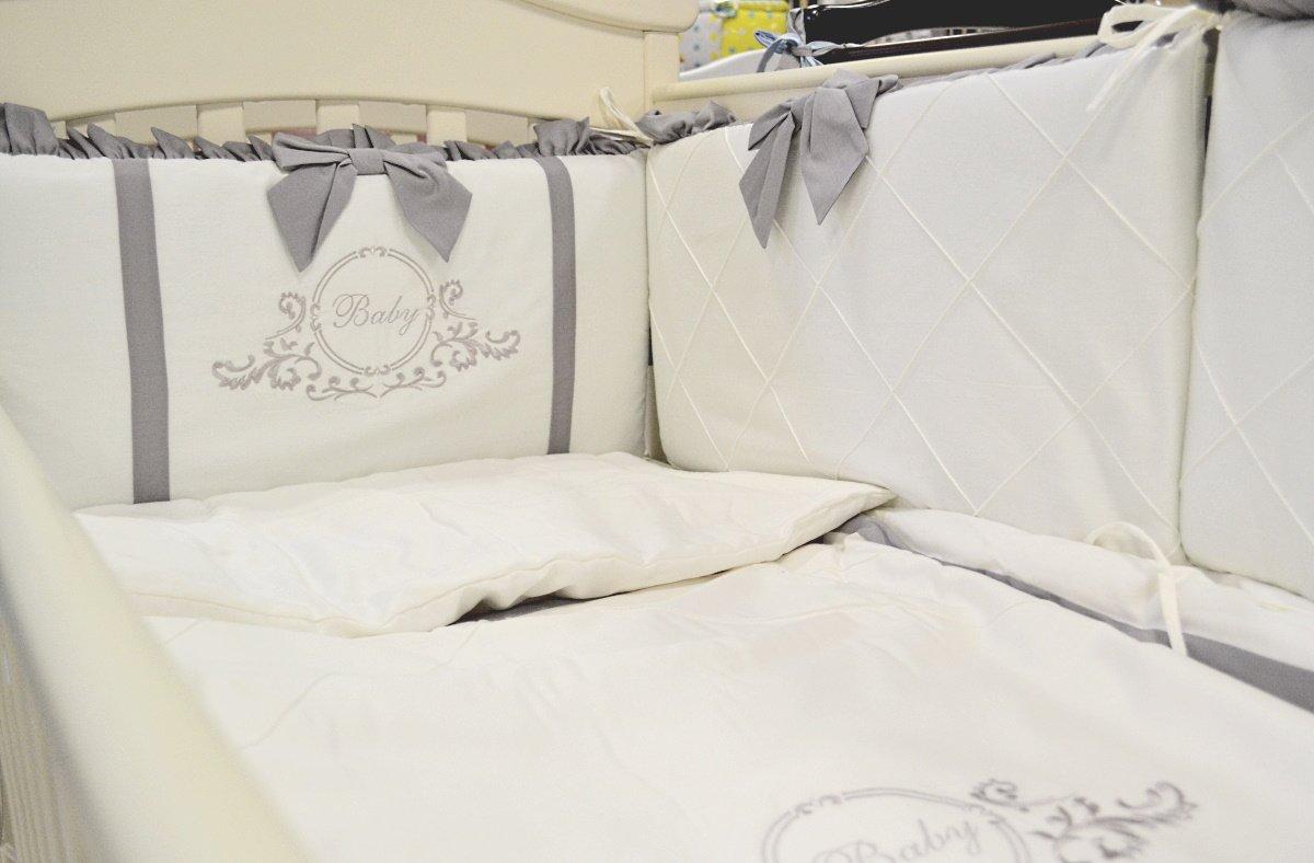 красивый бампер в детскую кроватку